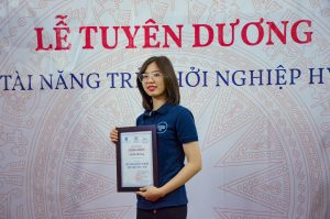 Khung giấy khen màu nâu trơn đồng hành cũng Lẽ Tuyên dương khởi nghiệp Hà Nội